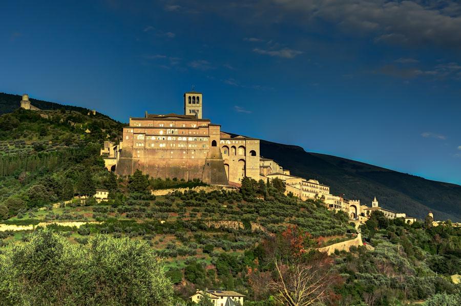 Valley view of Basilica di San Francesco, Assisi, Italy