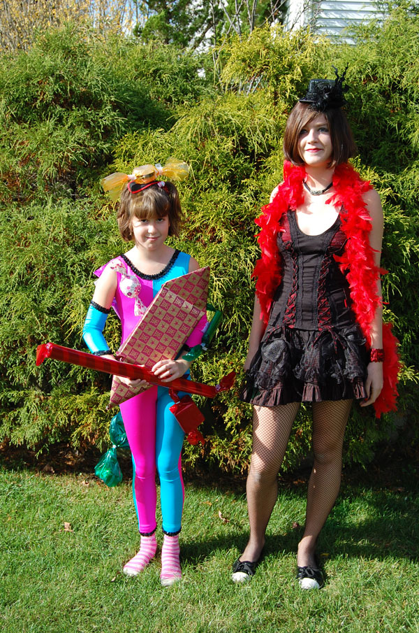 Kimmy as Bag of Sweets, Becky as Velma Kelly