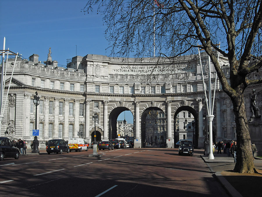 Admiralty Arch as viewed from The Mall