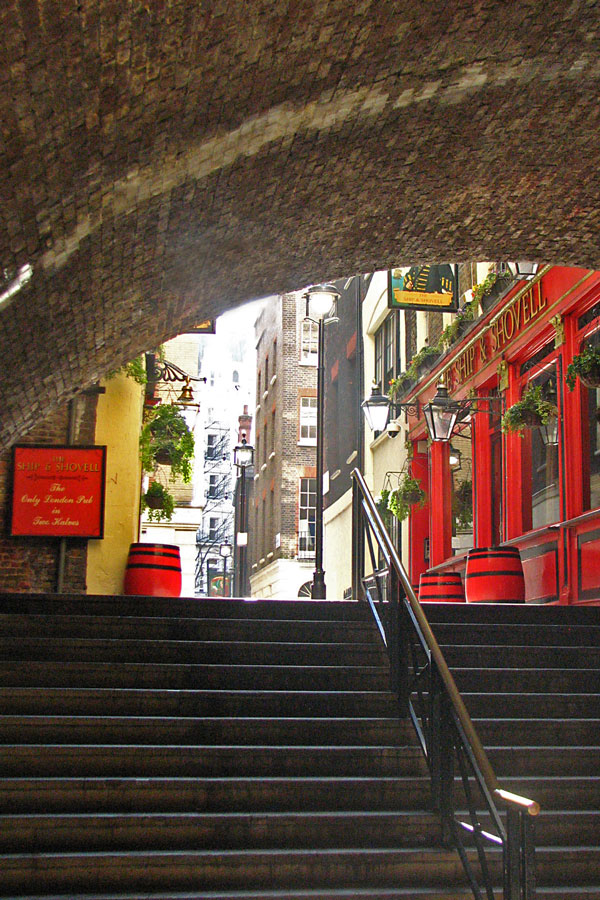 Craven Passage, London