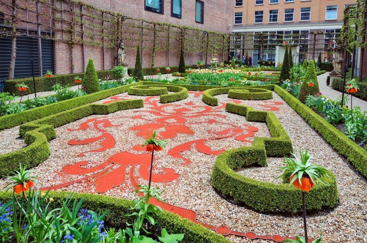 Willet-Holthuysen Museum garden, Amsterdam