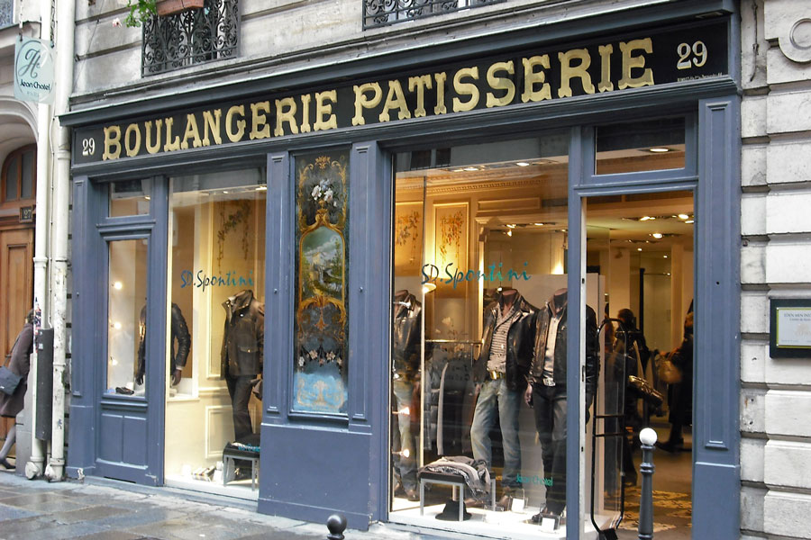 Do not believe your eyes in Paris